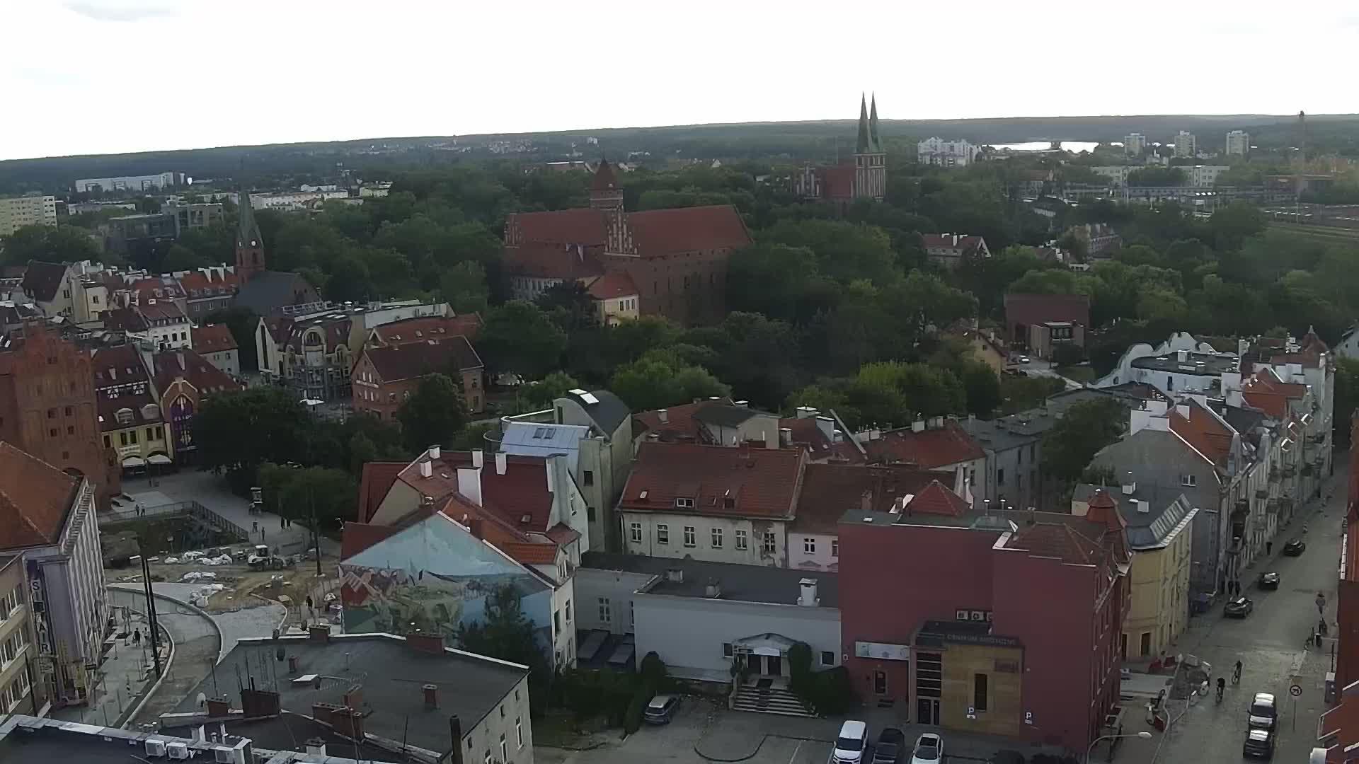 Веб-камера показывает аэроклуб, г.Ольштын